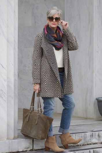 Fashionable over 50 fall outfits ideas 66