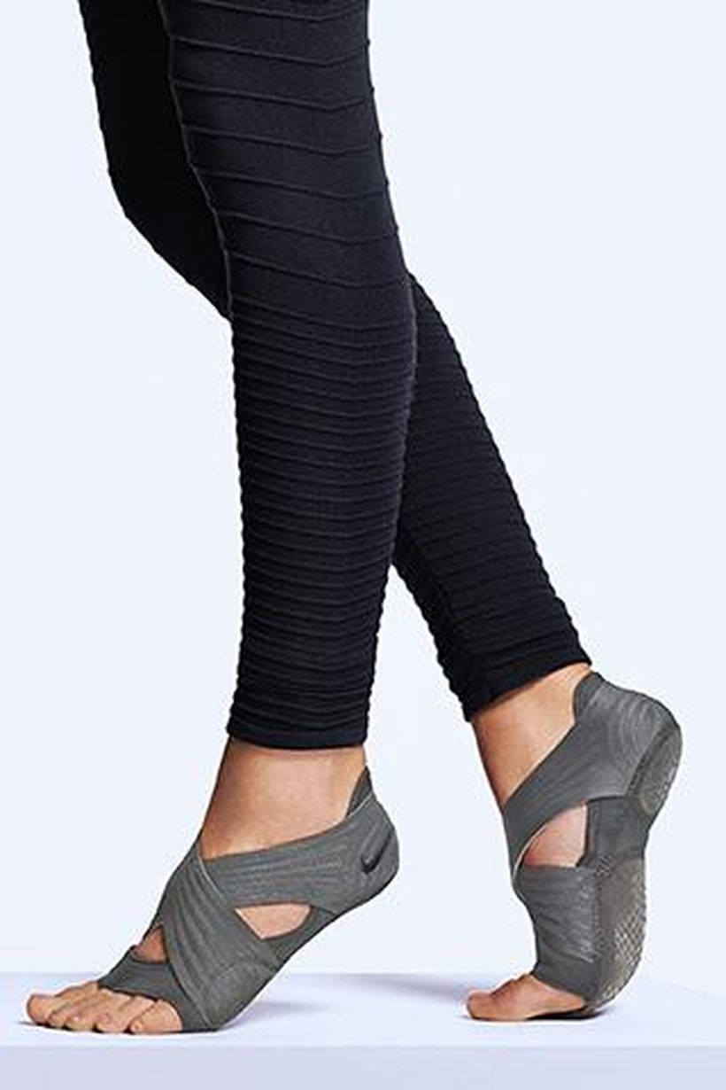 Most comfortable yoga shoes that must you have 18