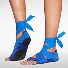 Most comfortable yoga shoes that must you have 27