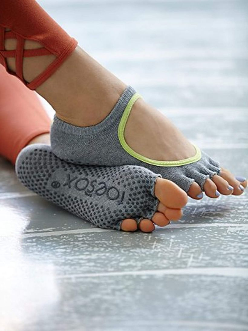 Most comfortable yoga shoes that must you have 9