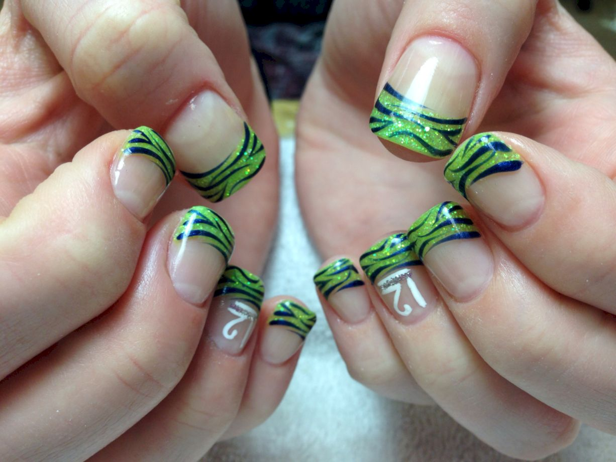 Seahawks nails design 36
