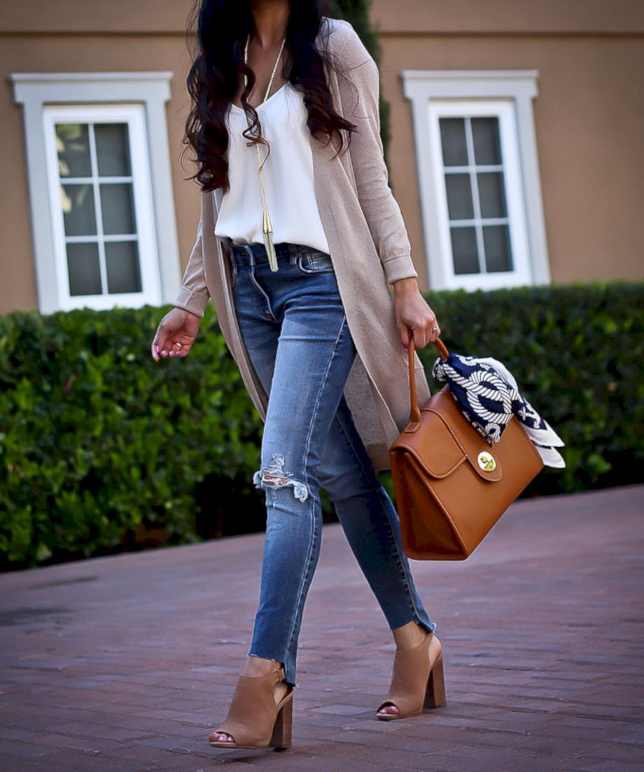 Cardigan outfit 30