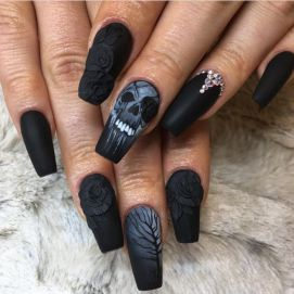 Halloween nails that you must try at halloween party 1