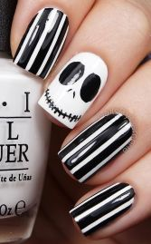 Halloween nails that you must try at halloween party 2