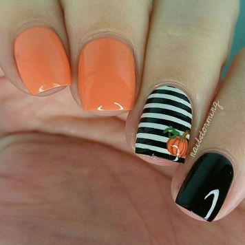 Halloween nails that you must try at halloween party 21
