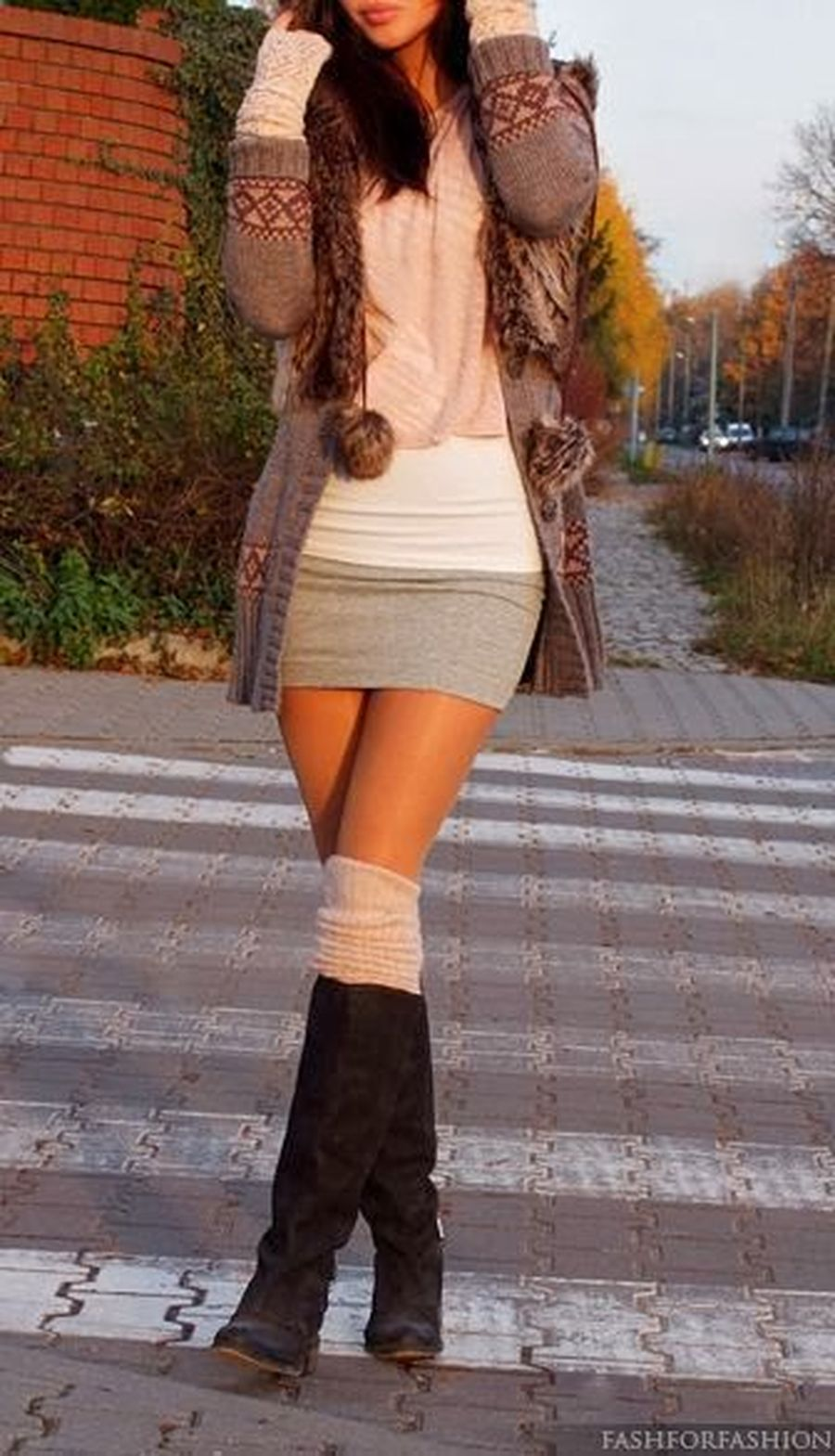 Inspiring skirt and boots combinations for fall and winter outfits 43