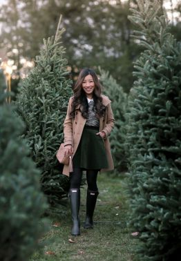 Inspiring skirt and boots combinations for fall and winter outfits 44