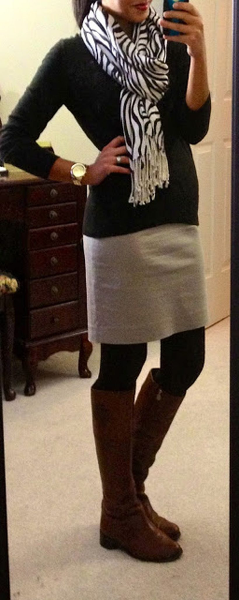 Inspiring skirt and boots combinations for fall and winter outfits 78