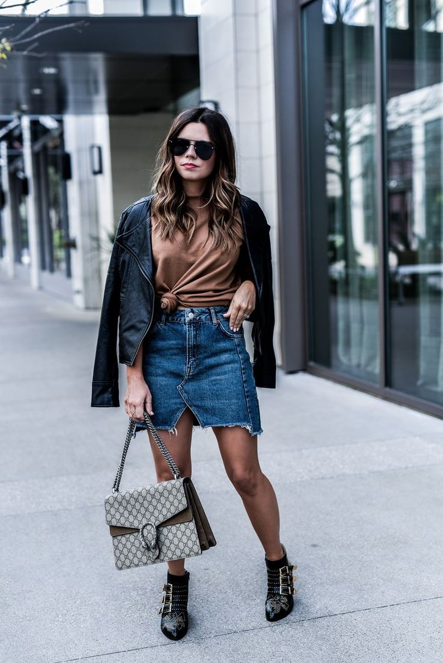 Inspiring skirt and boots combinations for fall and winter outfits 81