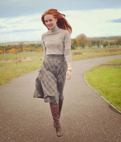 Inspiring skirt and boots combinations for fall and winter outfits 86