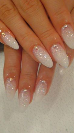 Cool holiday nails arts 23