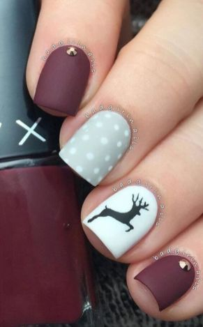 Cool holiday nails arts 44