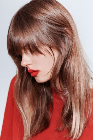 Cool hair style with feathered bangs ideas 29