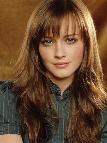 Cool hair style with feathered bangs ideas 3