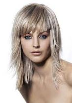 Cool hair style with feathered bangs ideas 32