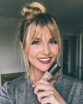 Cool hair style with feathered bangs ideas 50