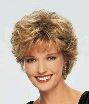 Fabulous over 50 short hairstyle ideas 27