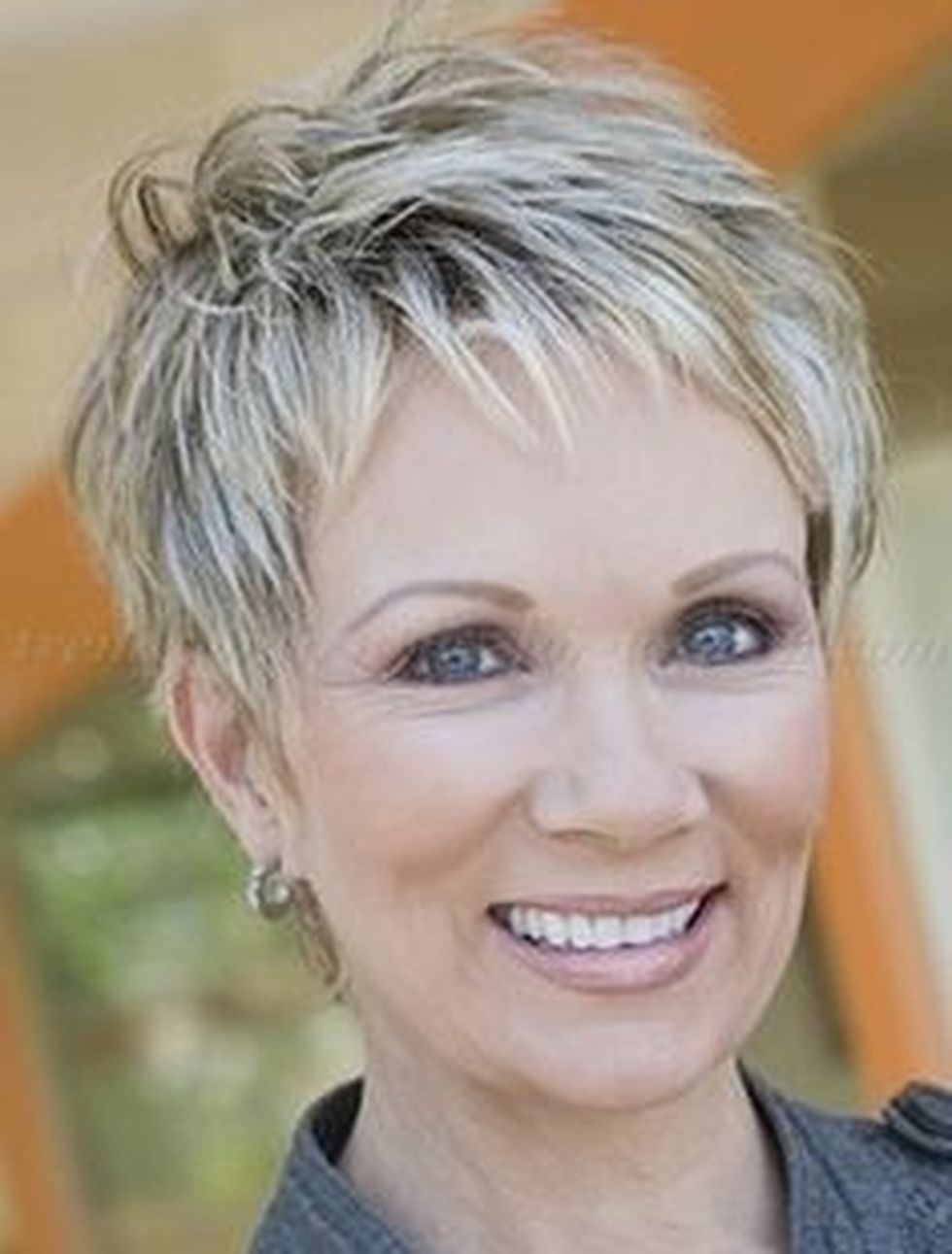 Fabulous over 50 short hairstyle ideas 52