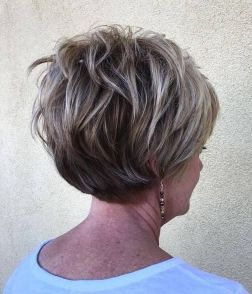 Fabulous over 50 short hairstyle ideas 73