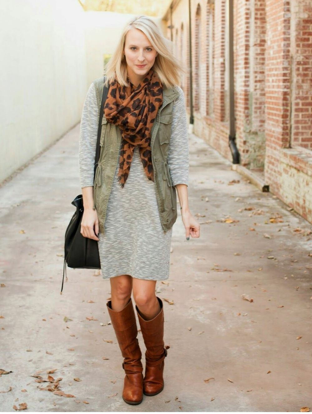 Fashionable scarves for winter outfits 105