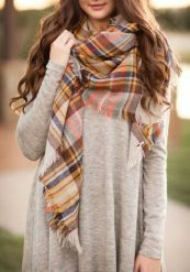 Fashionable scarves for winter outfits 113