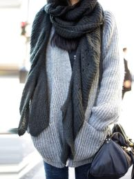 Fashionable scarves for winter outfits 15