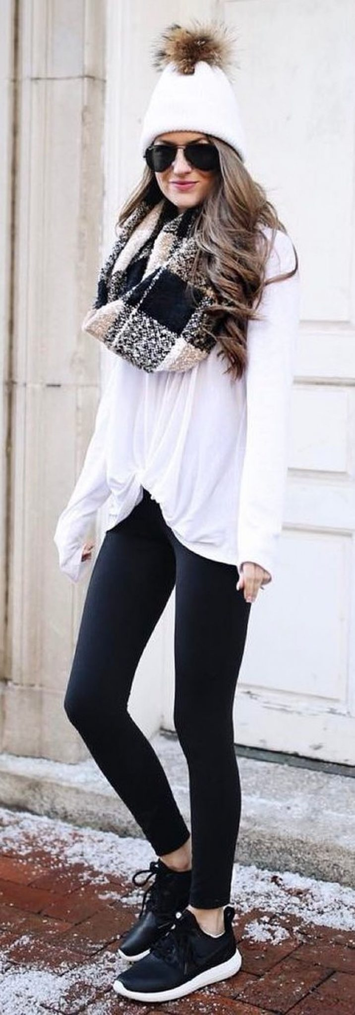 Fashionable scarves for winter outfits 53