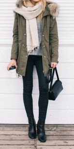 Fashionable scarves for winter outfits 74