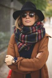 Fashionable scarves for winter outfits 80