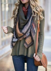 Fashionable scarves for winter outfits 89