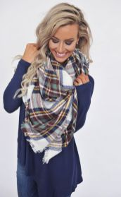 Fashionable scarves for winter outfits 98