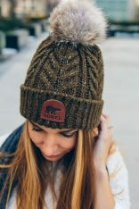 Fashionable women hats for winter and snow outfits 14