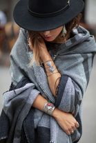 Fashionable women hats for winter and snow outfits 15