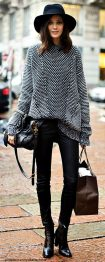 Fashionable women hats for winter and snow outfits 29