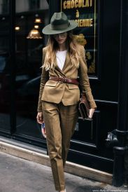 Fashionable women hats for winter and snow outfits 3
