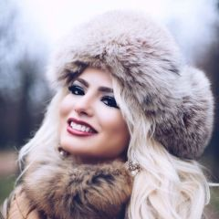 Fashionable women hats for winter and snow outfits 32