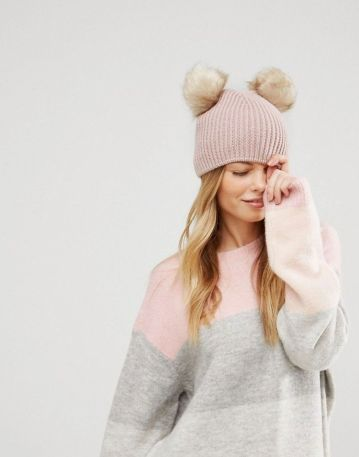 Fashionable women hats for winter and snow outfits 37
