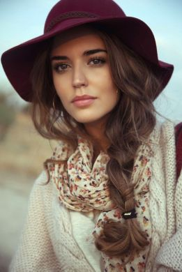 Fashionable women hats for winter and snow outfits 46