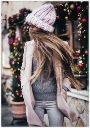 Fashionable women hats for winter and snow outfits 57