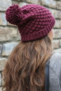 Fashionable women hats for winter and snow outfits 60