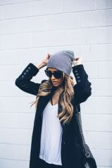 Fashionable women hats for winter and snow outfits 65