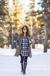 Fashionable women snow outfits for this winter 27