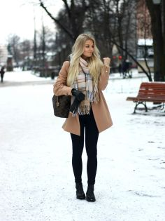 Fashionable women snow outfits for this winter 32