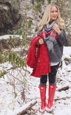 Fashionable women snow outfits for this winter 48