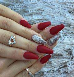 Gorgeous christmas nails ideas 134