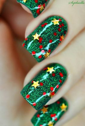 Gorgeous christmas nails ideas 14