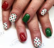 Gorgeous christmas nails ideas 21