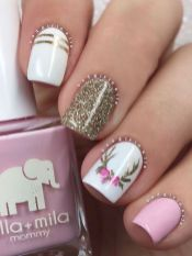 Gorgeous christmas nails ideas 46