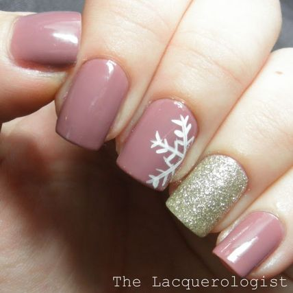Gorgeous christmas nails ideas 47