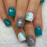 Gorgeous christmas nails ideas 49